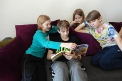 1-Grandkids-Reading-Together
